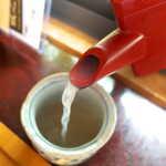 手挽きそば 蔵之内 - 蕎麦湯は比較的白みがあり、とろみの強いもの