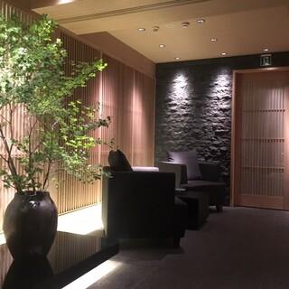 8階特別室(5階フロアとは料理、価格帯が異なっております)