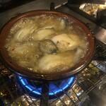 トラットリア シャント - 牡蠣のアヒージョ