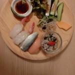 旬菜食健 ひな野 - 食べ放題(うどん、中華サラダ、寿司、サラダ)