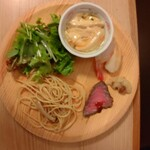 旬菜食健 ひな野 - 食べ放題(なめこおろし、和風パスタ、サラダ、茶碗蒸し、ローストビーフ)