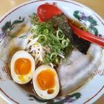 137966901 - 播州醤油らーめん 630円、トッピング 煮卵 +150円