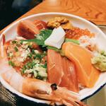 男鹿半島 - 料理写真:おまかせ丼 1300円