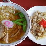 吉倉食堂 - 料理写真:半チャンラーメンセット