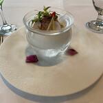 137980153 - 百合根のフランとホタテ貝柱、桑名産燻製蛤のアンサンブル
