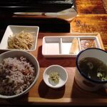 yakinikubarumaruushimi-to - 十五穀米,スープ,もやしナムル