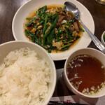 中國料理 萬来 - ニラレバ炒め