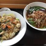 台湾料理 紅四季 - 料理写真:台湾ラーメン&中華飯