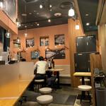 豚骨ラーメン専門 大名古屋一番軒 - 店内の様子です
