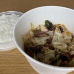 紅虎餃子房 - 回鍋肉丼(テイクアウト) 750円