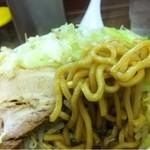 富士栄 - ぎ郎 麺持ち上げ