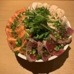 サカナバル - 本マグロとメカジキとスモークサーモンの炙り丼