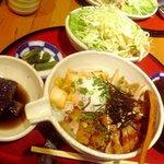 おこげ本店 - チャーシューの温泉卵丼(880円)定食