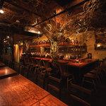 沖縄 肉酒場 ぬちぐすい - 一階カウンター席」