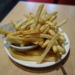 ビーフキッチンスタンド - こぼれるフライドポテト130円