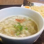 藤丸 - 自慢の鶏白湯塩つけ汁!