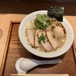 胡心房 - 肉玉ラーメン¥950