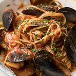 イタリアンレストラン アランチーニ 桜上水 - ムール貝のトマトソース