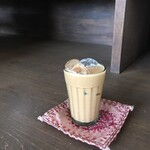 スパイスカレー コフタ - ドリンク写真:アイスチャイ