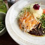 山原食堂Kuni - ジャージャー麺(冷細麺)*野菜うまい
