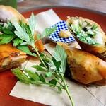 山原食堂Kuni - 野菜と海老の春巻き