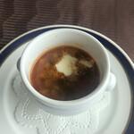 ル・トリアノン - スープはトマト&チーズの安定