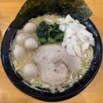 横浜家系ラーメン 一蓮家  - ■とんこつ醤油+玉ねぎ+うずら¥890