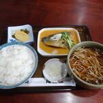 尾張屋 - 料理写真:さばみそ煮定食