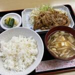 シブヤ - 生姜焼き定食930円