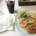 キッチンピーナッツ - 料理写真:しょうが焼きランチ ご飯大盛り 1,000円
