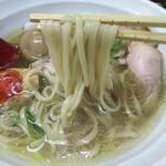 麺や 睡蓮 - 平打ち中太麺リフトアップ