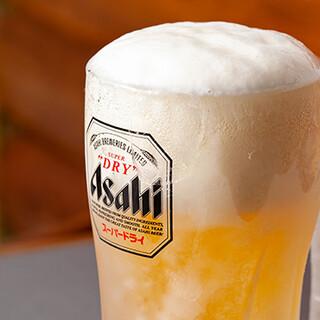 凍結ジョッキ生ビール、人気の果実サワー、定番ドリンクも多数◎