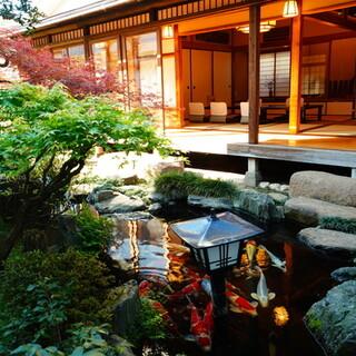 日本庭園付き離れの個室