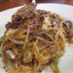 ALBA - じっくり煮込んだ鴨もも肉とキャベツのスパゲッティ