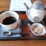 cafe&live rit. - 料理写真:ブレンドコーヒー。ポットサービスです。