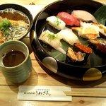 1381767 - サービス定食 780円 (10貫、赤だし付き)
