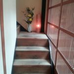 瓢箪の花 - 19 店内・2階への階段の一例