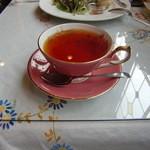 13810551 - 本日の紅茶(ディンプラ) エインズレイのティーカップで!