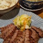 炭焼き牛たん 徳茂 - 牛タン定食1200円