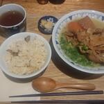 ごちとん - ごろごろ野菜のごちとん汁¥690-にご飯セット¥150-