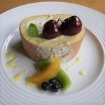 万平ホテル カフェテラス - ロールケーキ