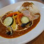 フタバ フルーツ パーラー - 発酵猪豚と旬野菜のスパイシーカレー