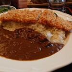 とんかつ・串揚げ 冨岳 - 料理写真:カツカレー(辛口)  ランチは全て935円  これはお得ですね