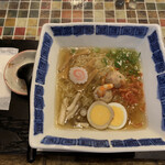 たまゆら - 海老なご味麺(¥950) カウンターもカッコいい!