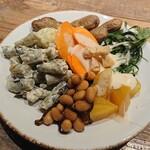138117846 - ビュッフェの野菜