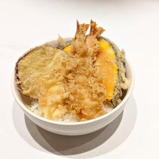お子様向けミニ天丼!ご家族の皆様で天ぷらをお楽しみください。