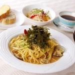 オリーブ - 料理写真:オープン以来一番人気のランチ♪ 写真は和風ソース 海苔と青シソの香りがたまらない!