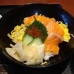 すしダイニング - 鮭親子丼