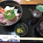 おけしょう鮮魚の海中苑 - 海鮮丼 小