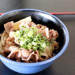 北乃家 - 料理写真:肉ぶっかけ冷